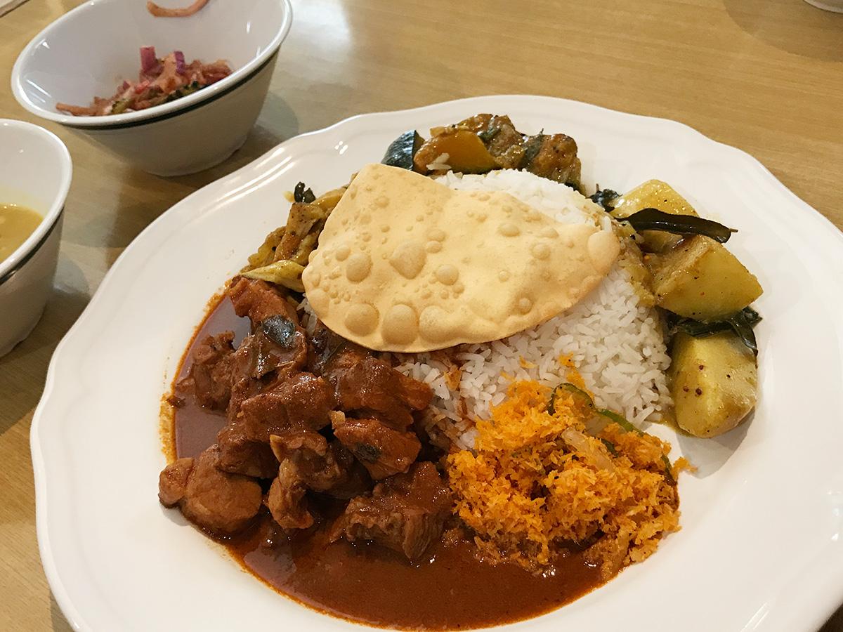 スリランカ料理KING LIONのランチプレート