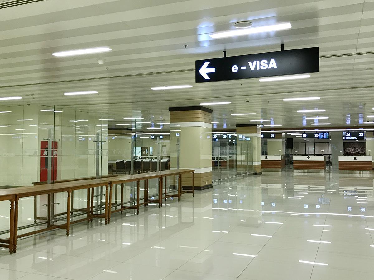 インドの電子ビザ コーチン空港のe Visaカウンター