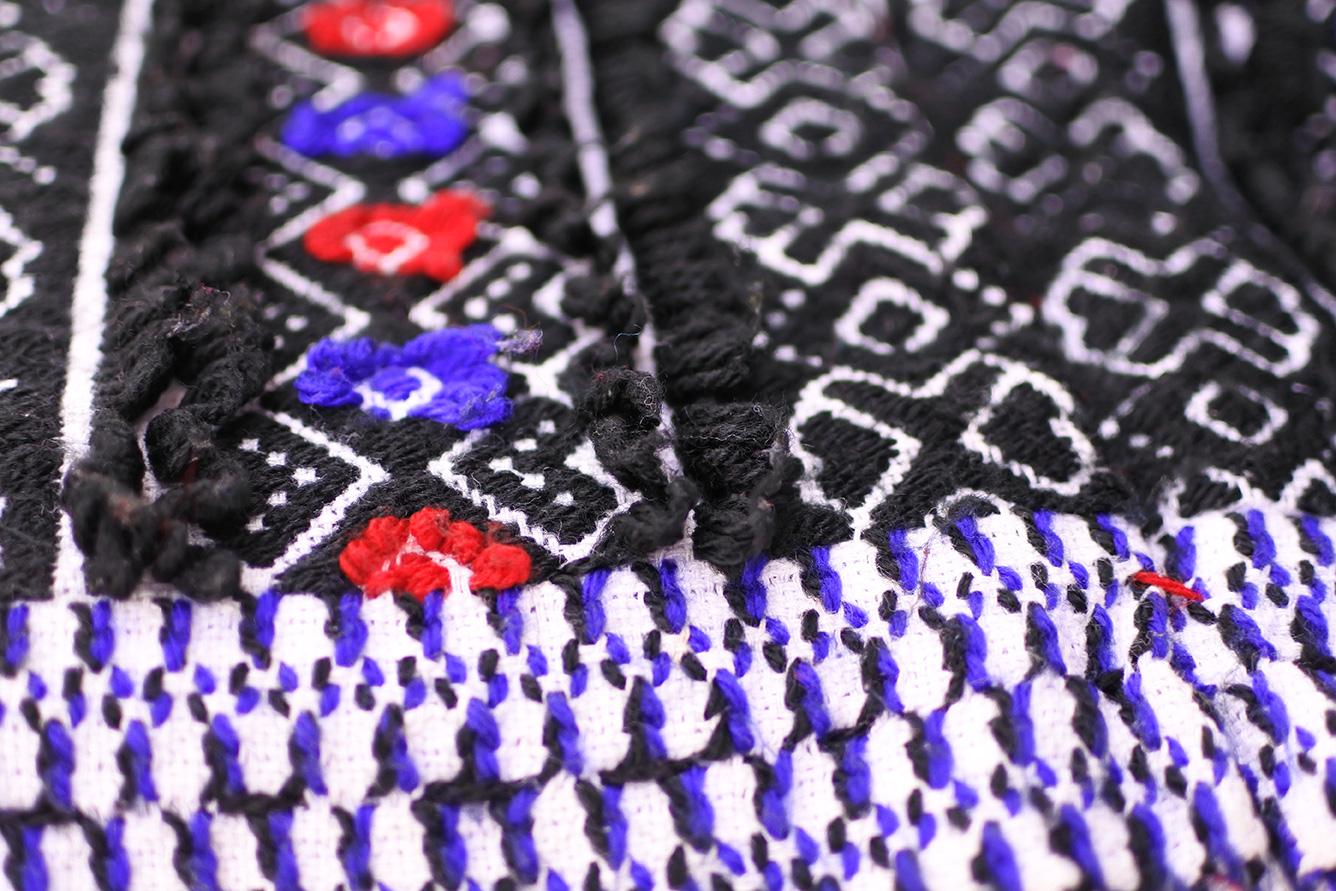 トダ族の刺繍アップ