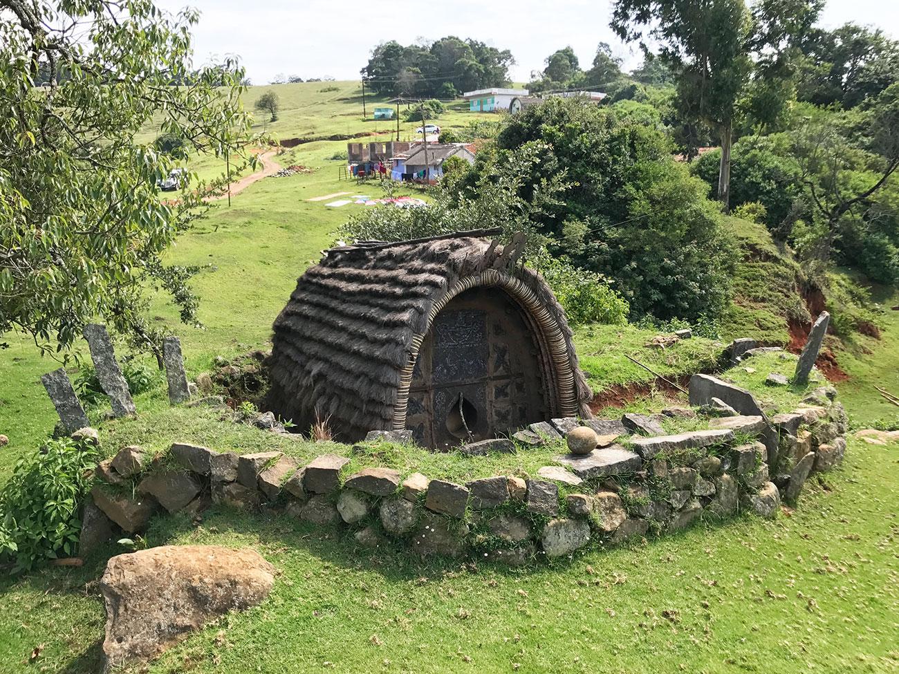 トダ族のお寺、小さい方