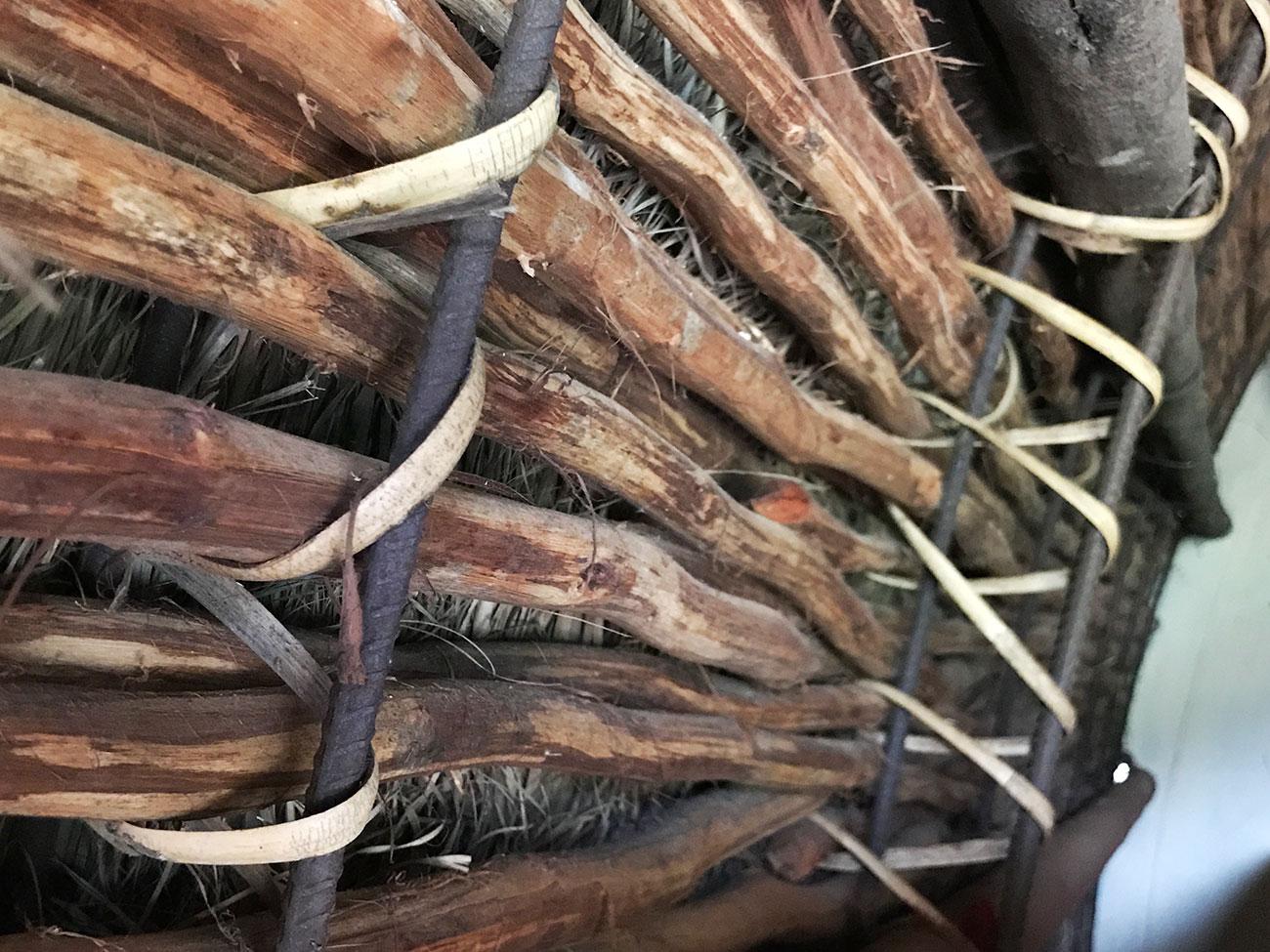 トダ族の商店、木部の編み方
