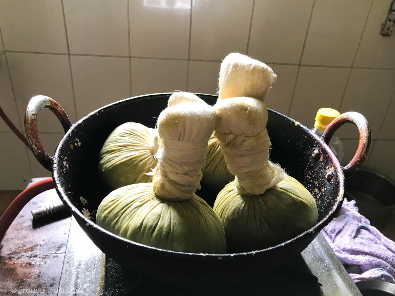 薬草のボールマッサージ エラキリ