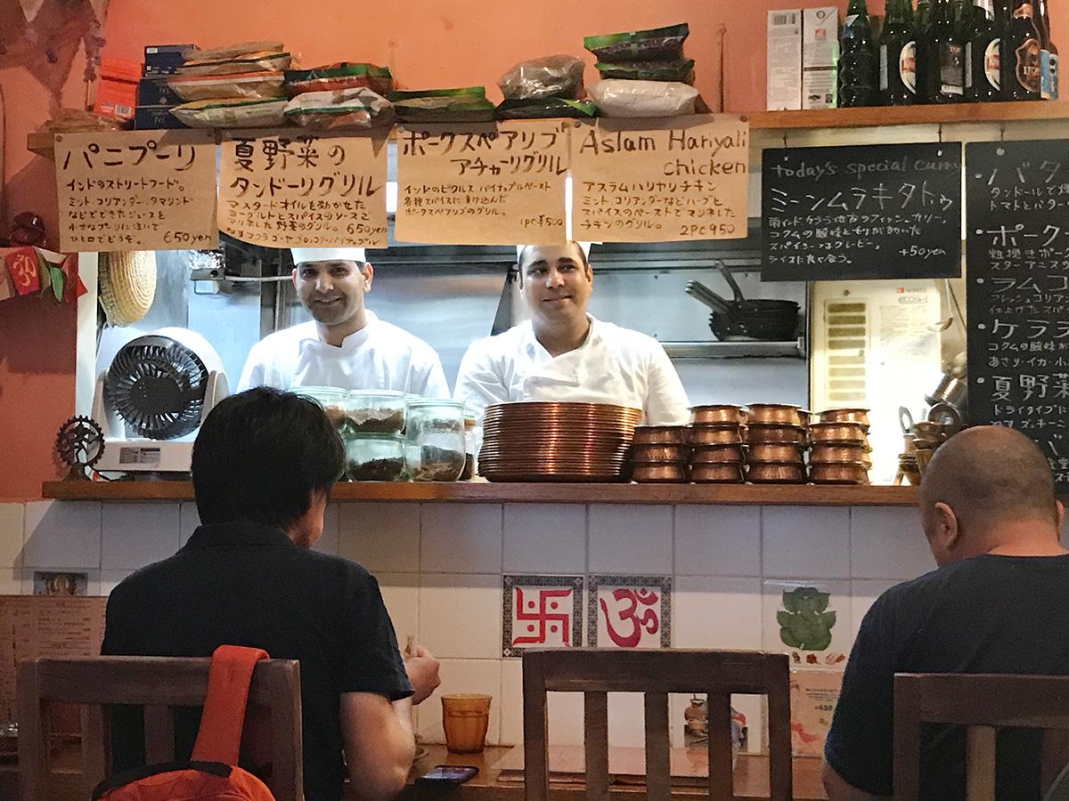 三軒茶屋シバカリーワラ 厨房
