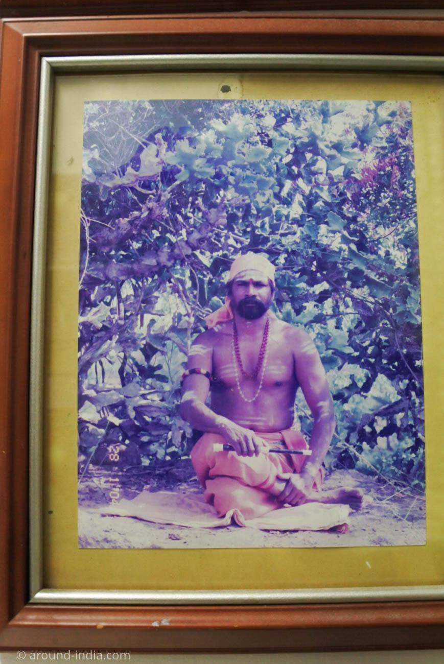 南インドの伝統医学シッダの修行中のお姿