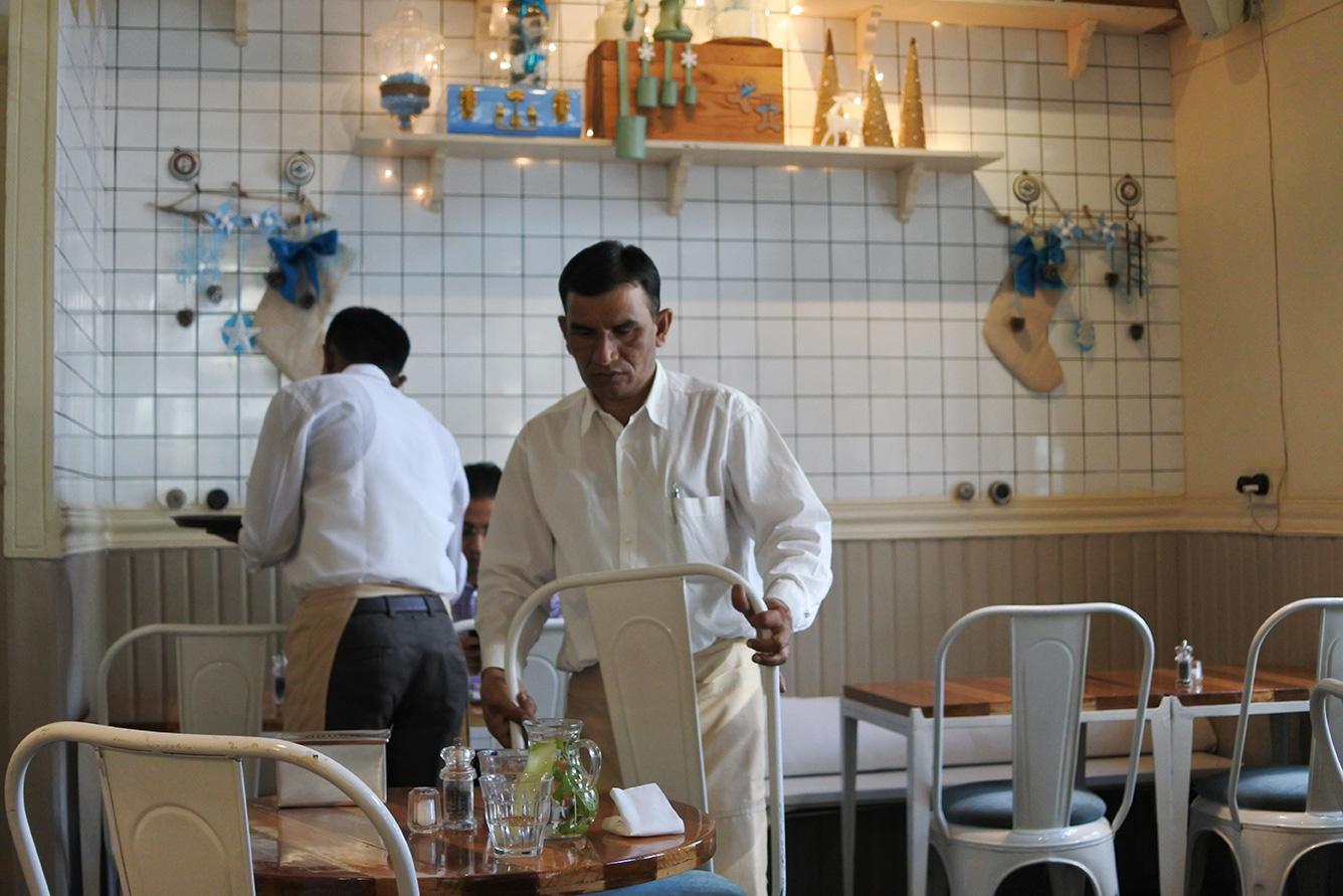 ムンバイのカフェThe Pantryの店内
