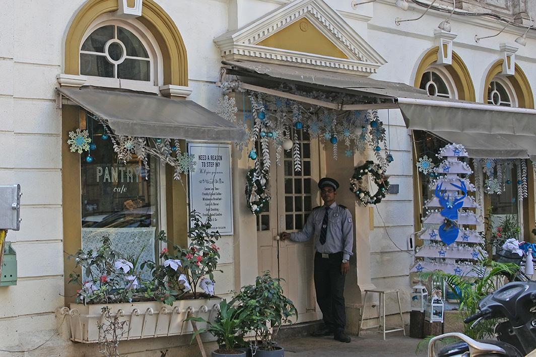 ムンバイのカフェ、The pantry外観