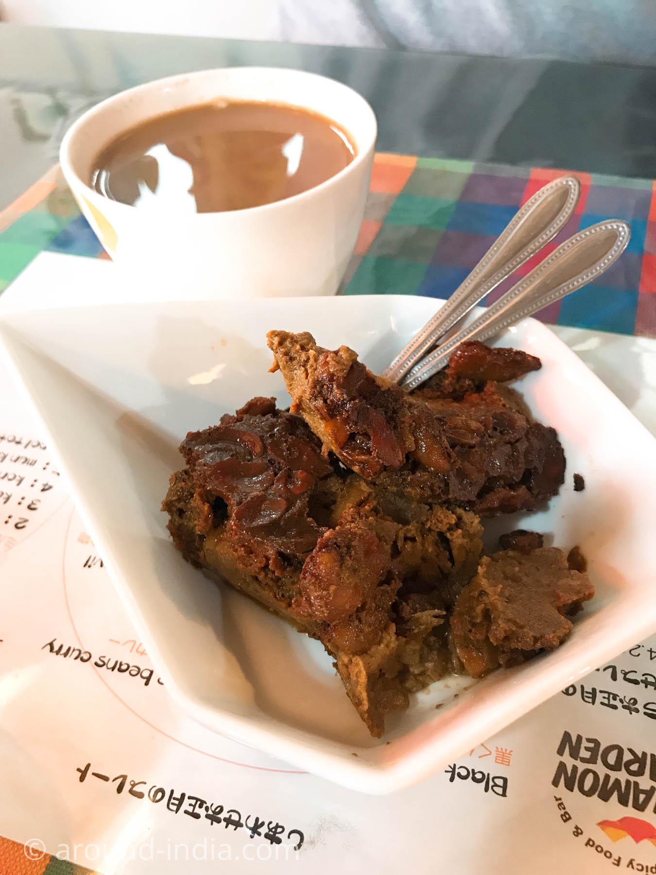 スリランカ料理シナモンガーデンのワタラッパンとチャイ
