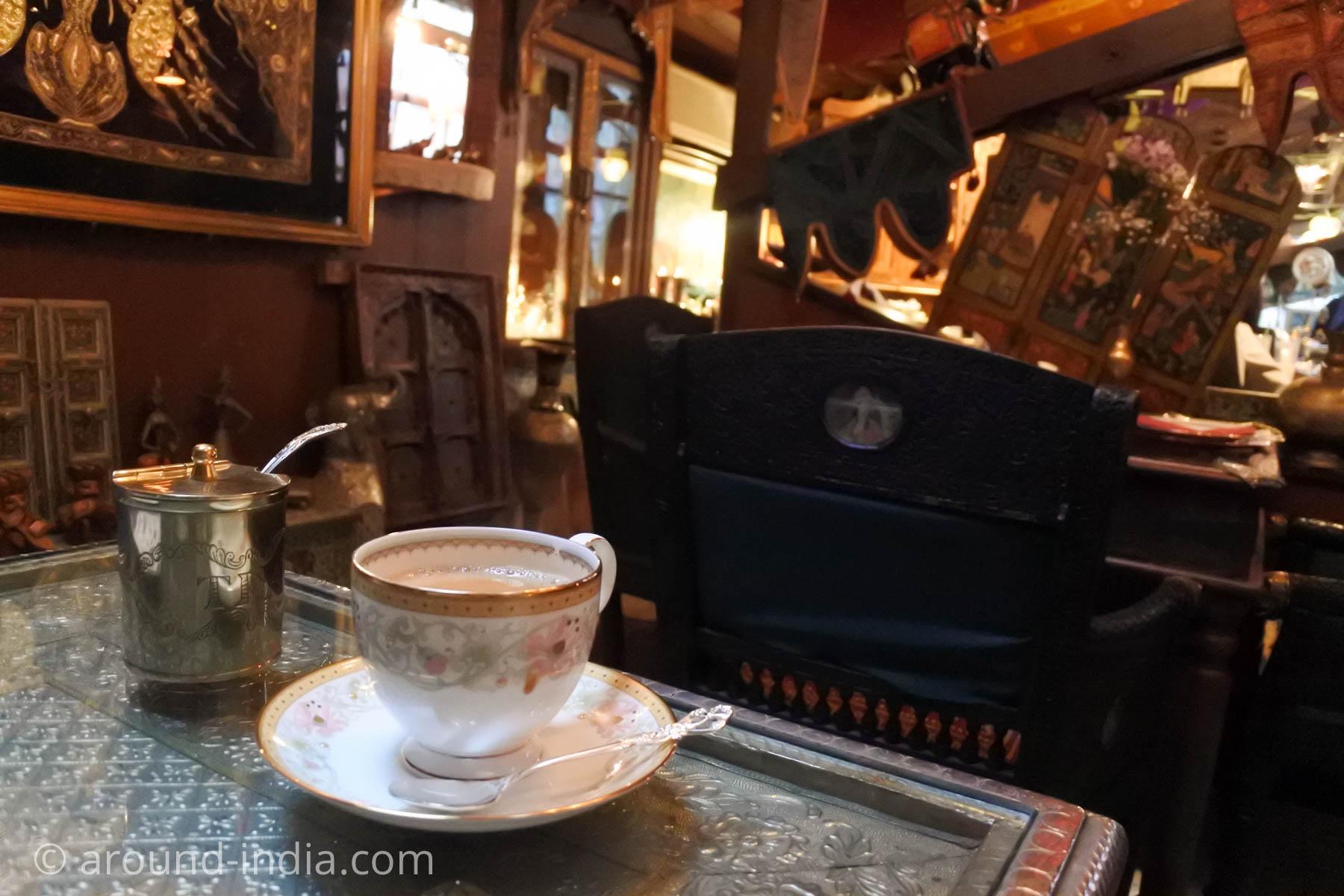 紅茶がおいしいダージリン 日暮里のマサラチャイとハルワ
