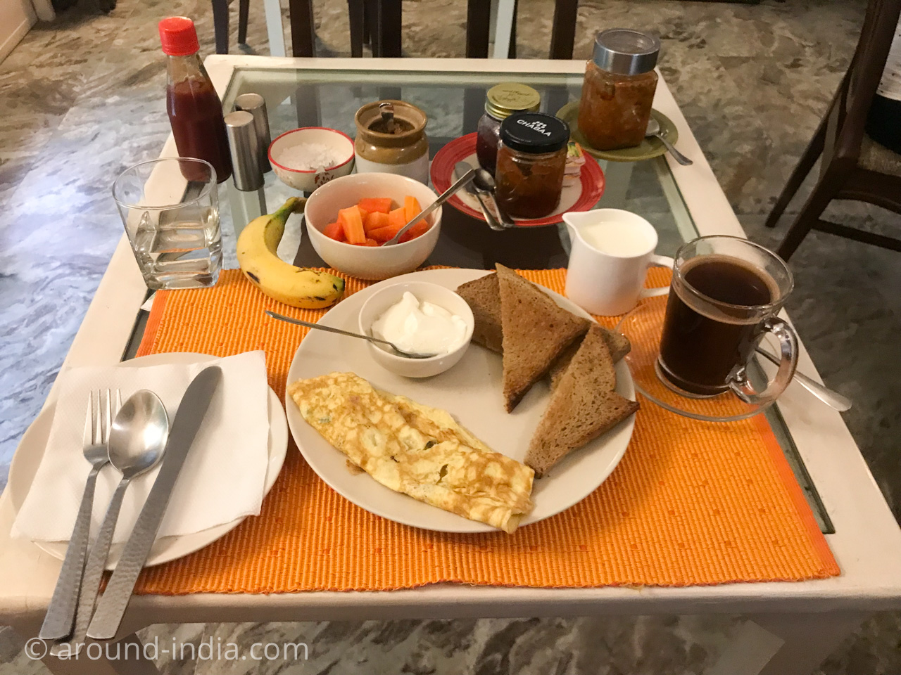 デリーのホテルHaveli Hauz Khasの朝ごはん
