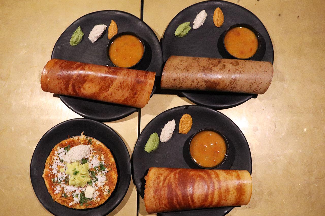 カルナタカ料理カルナティックカフェのドーサ4種