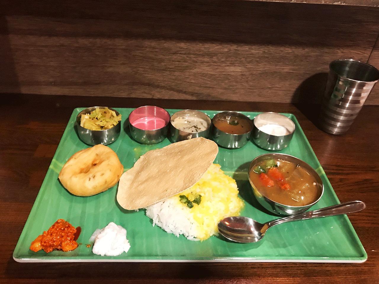 西荻窪南インド料理とらや食堂のミールス
