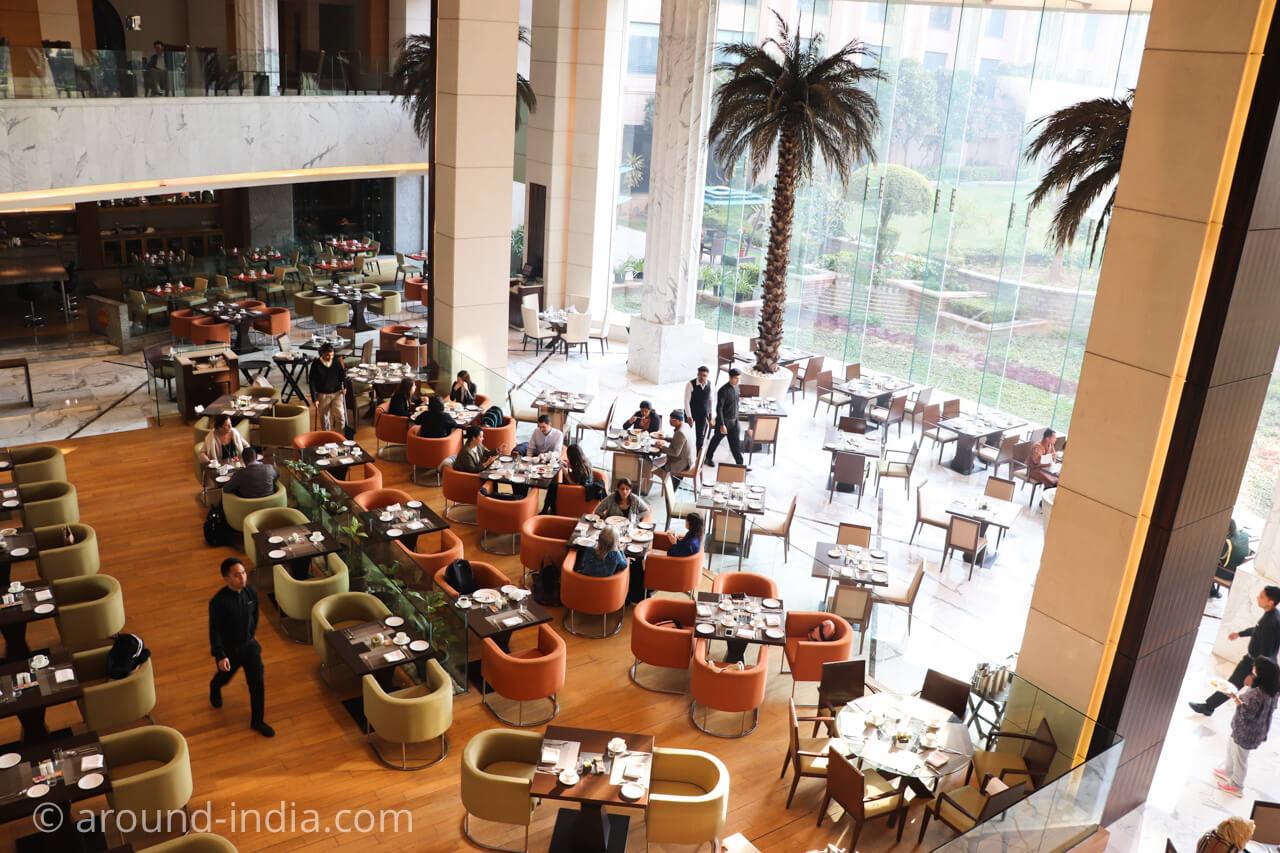 インド・デリーのホテル The Grand New Delhi 朝食会場