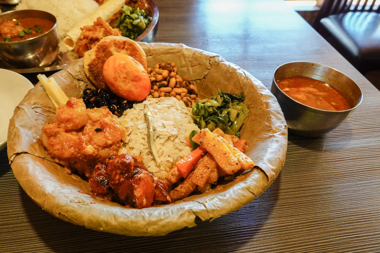 新大久保のネパール料理アーガン ネワリサマエバジセット