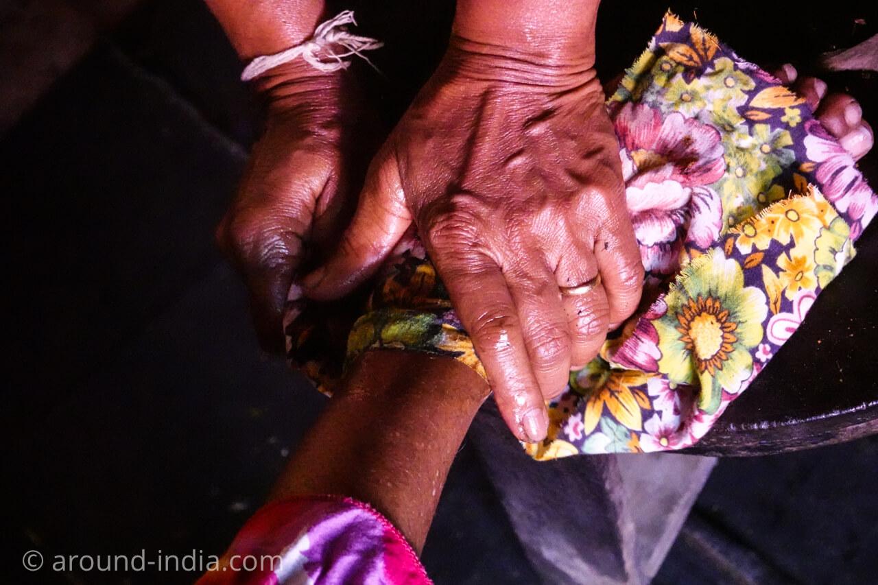 スリランカの伝統医学 ヘラウェダカマ 治療