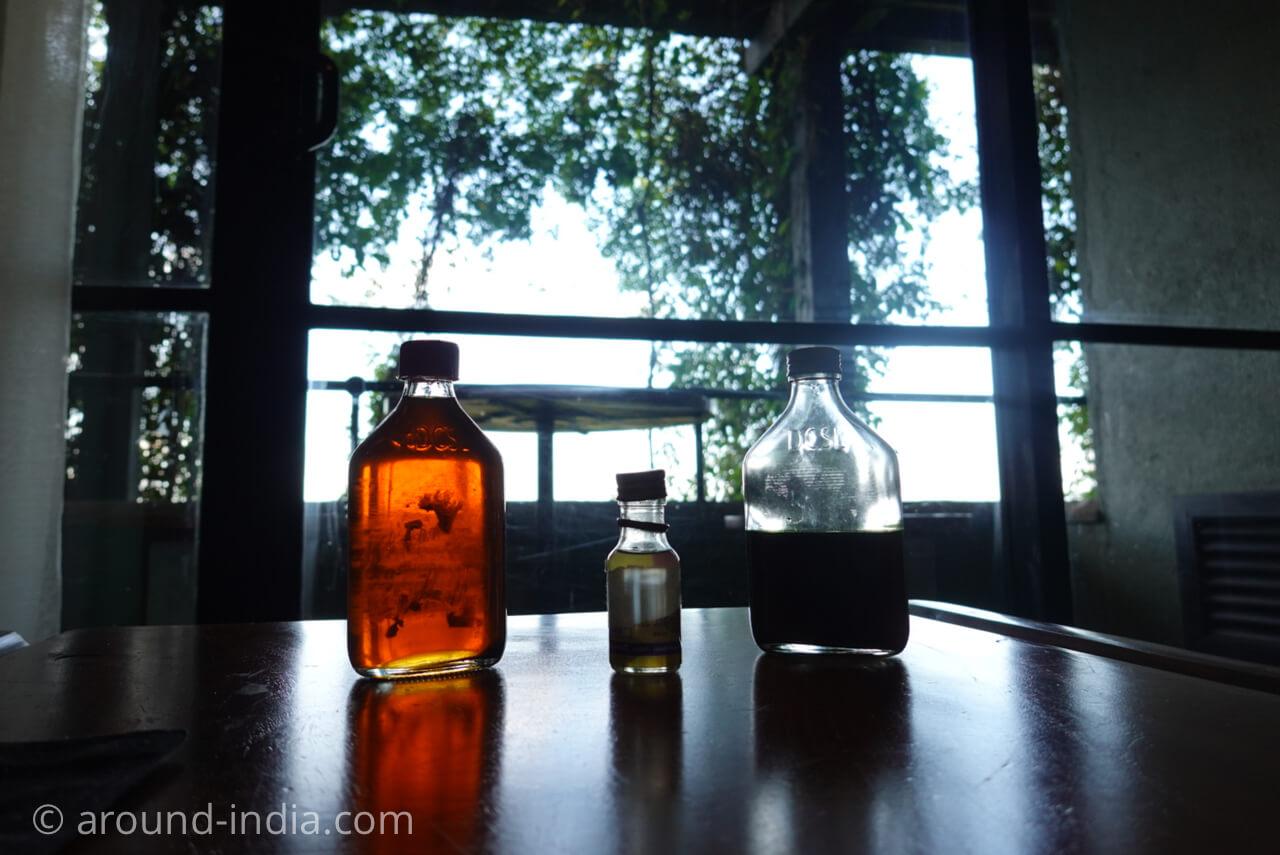 スリランカの伝統医のオイル