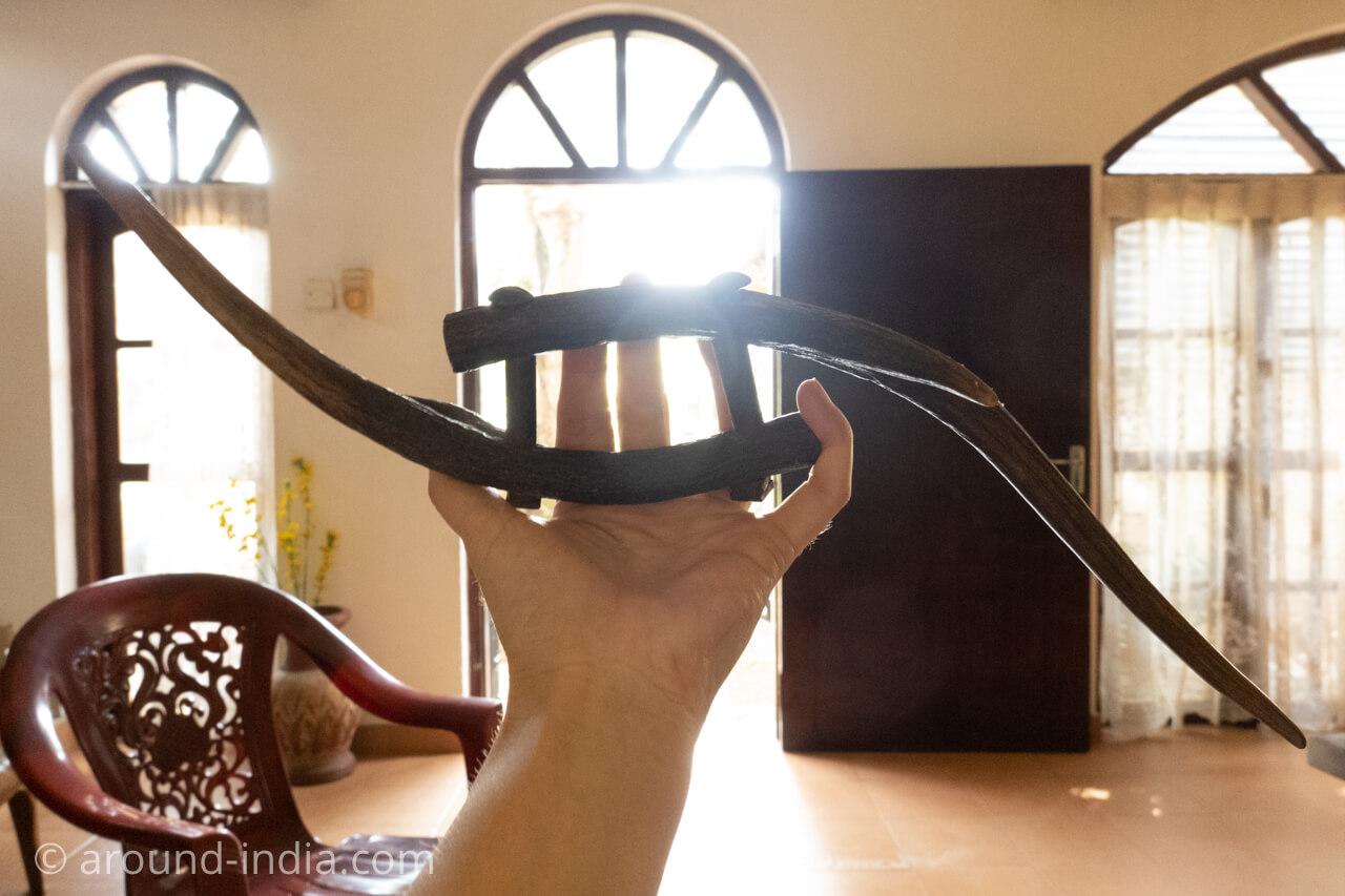 スリランカの伝統武術アンガンポラの武器
