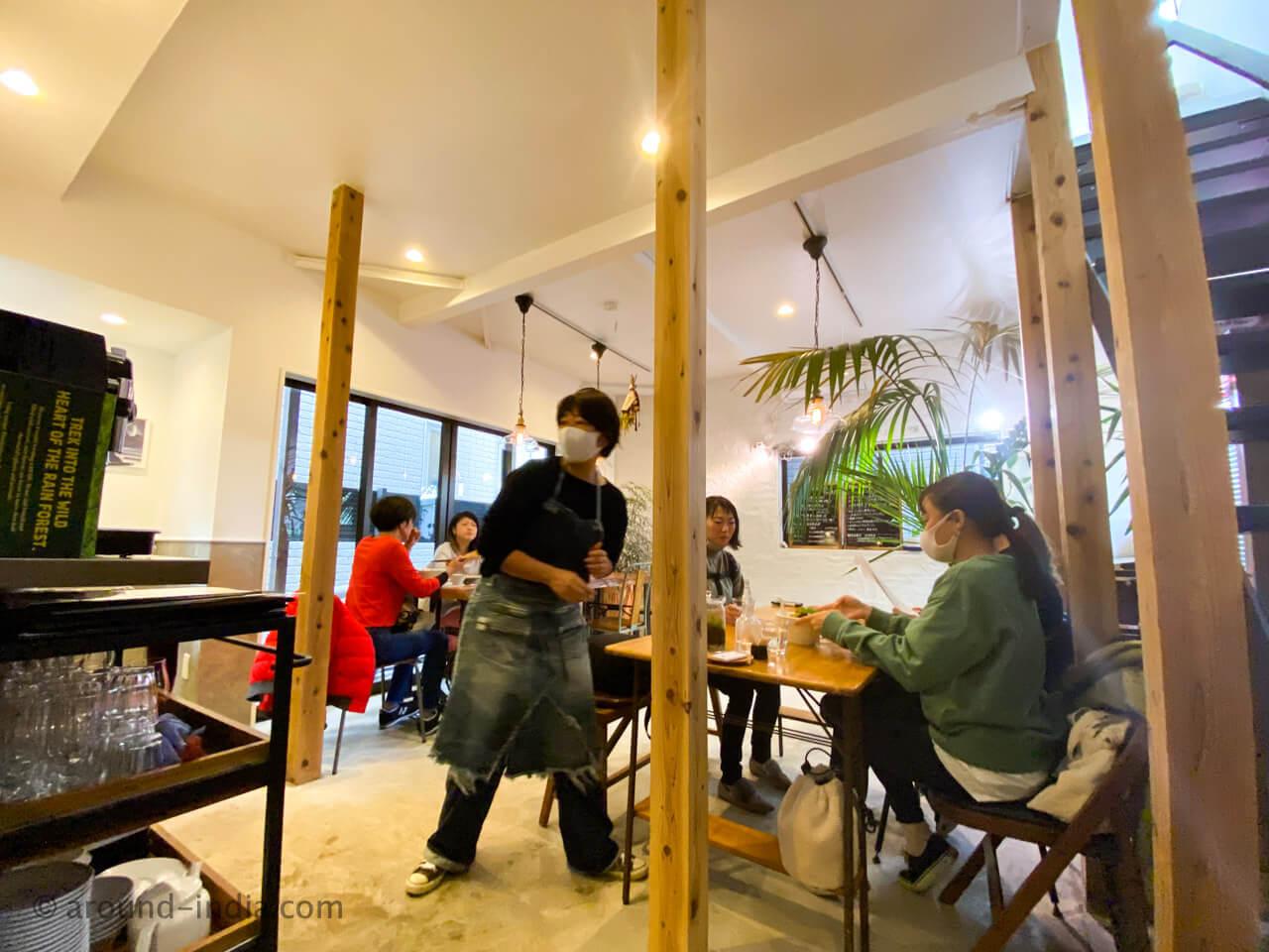 シンガポール Shikalab 鎌倉の店内