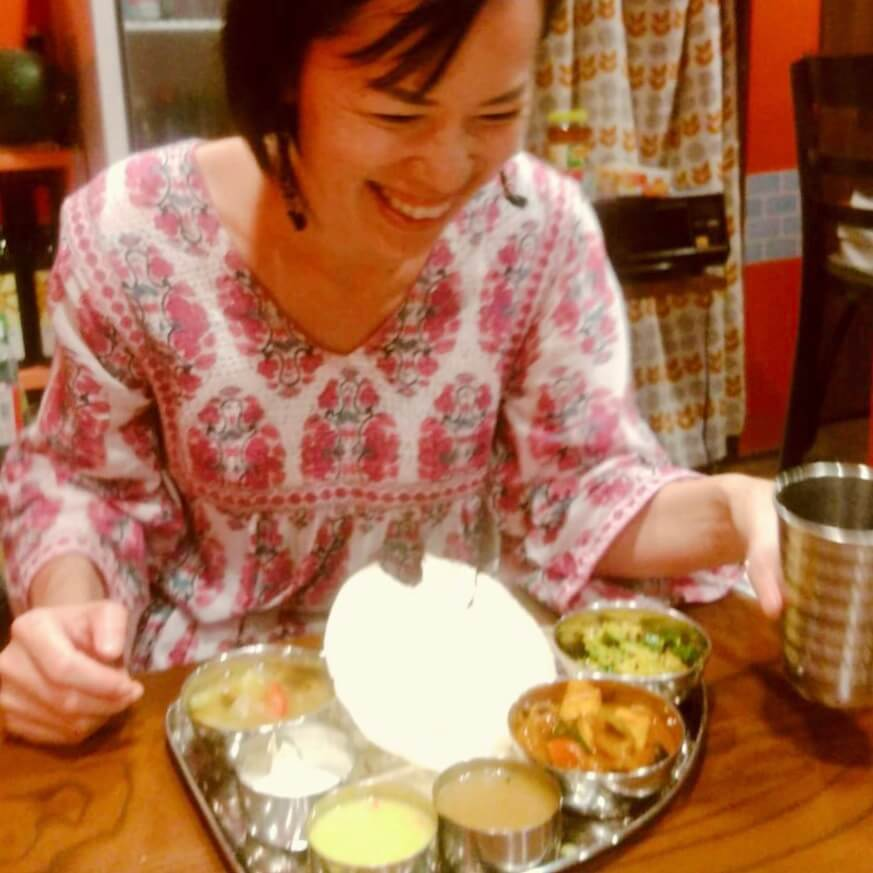 とら屋食堂のミールスを楽しむAROUND INDIA