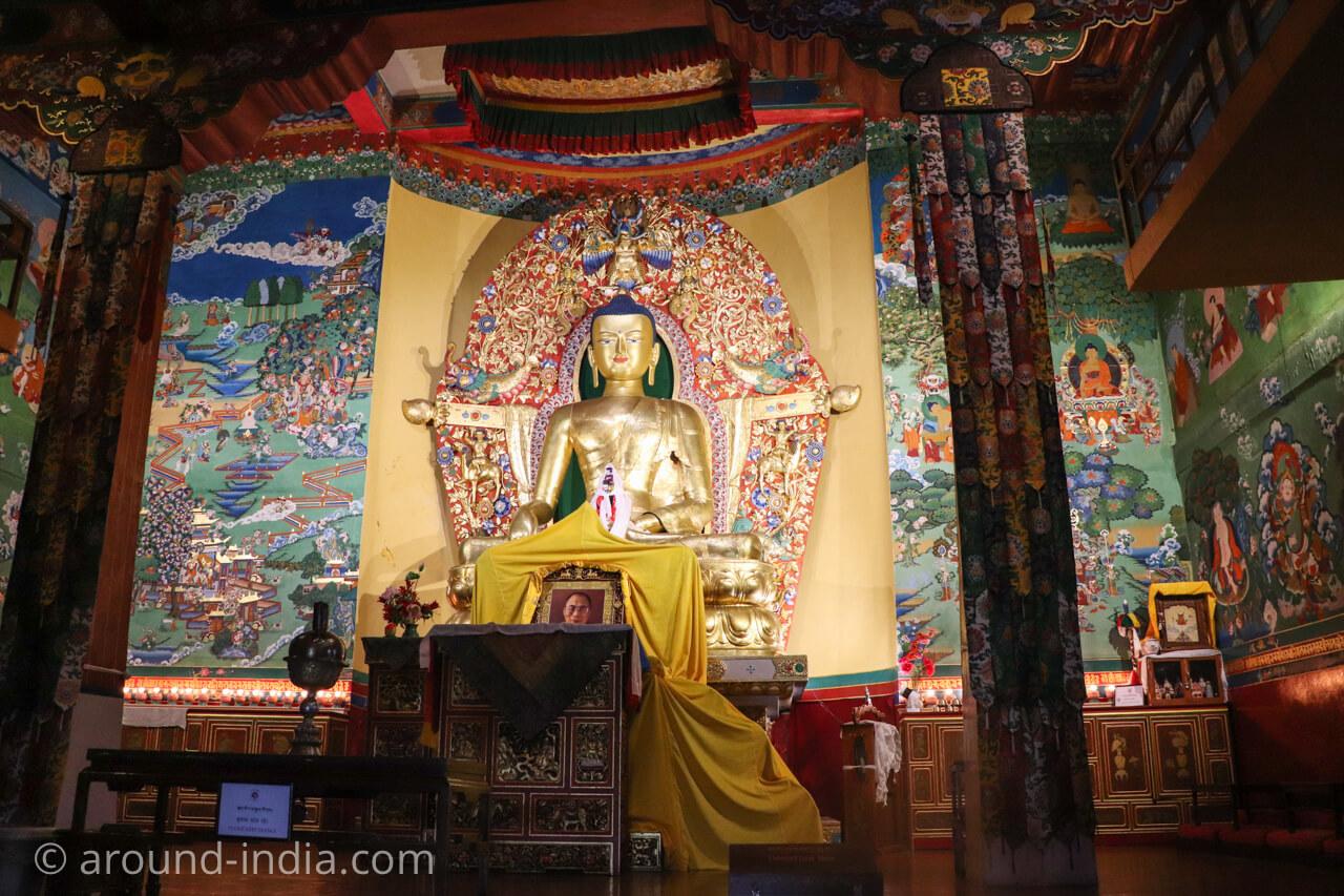 ダラムサラのノルブリンカチベット芸術 ダラムサラのノルブリンカチベット芸術 ご本尊