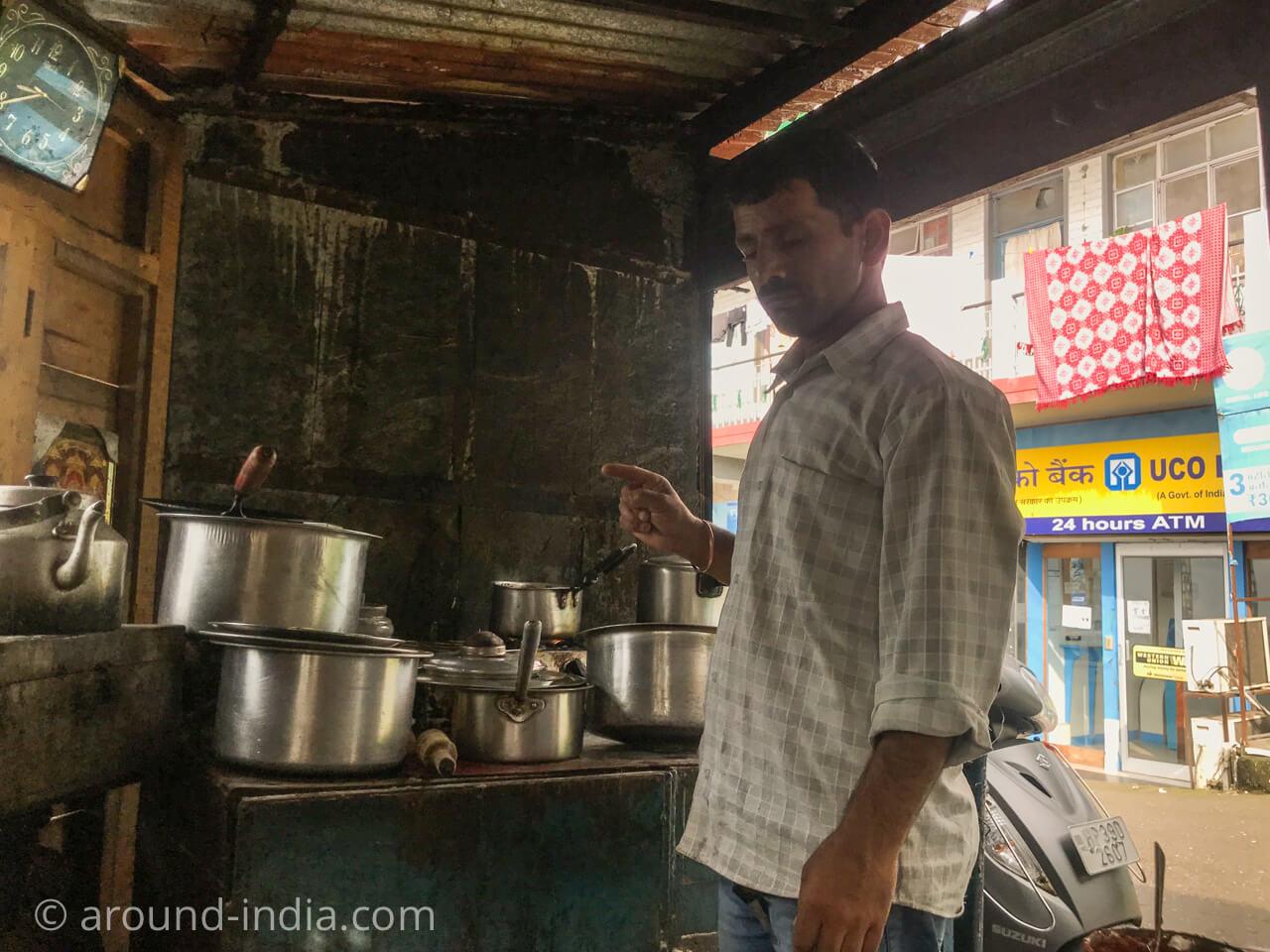 ダラムサラ Men Tsee Khangそばの食堂
