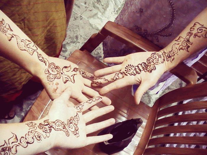 インドの結婚式ではじめてのヘナ