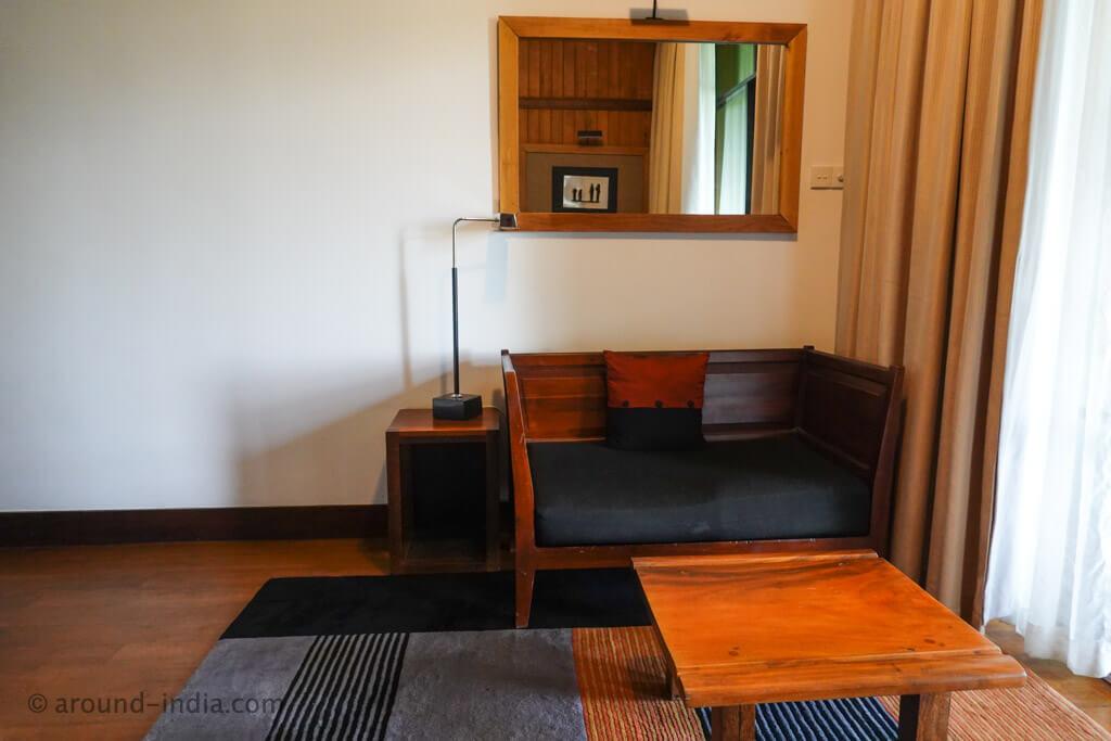 ヘリタンスカンダラマ デラックスルームのソファー