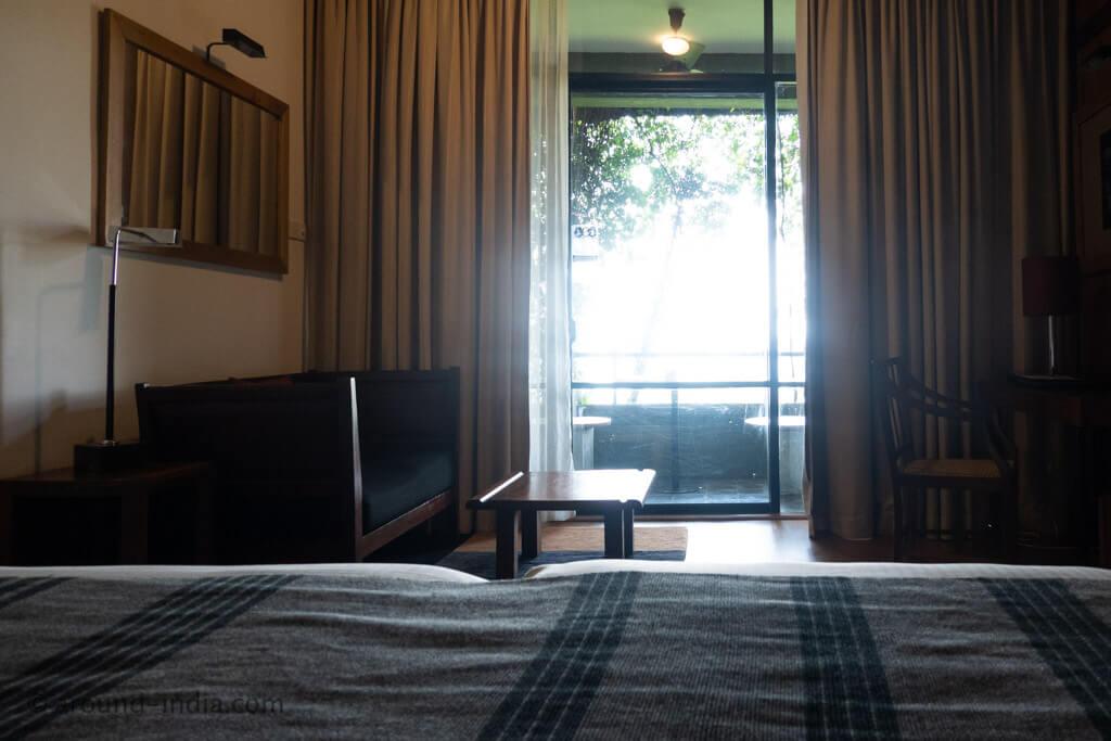 ヘリタンスカンダラマ デラックスルームのベッドからの眺め