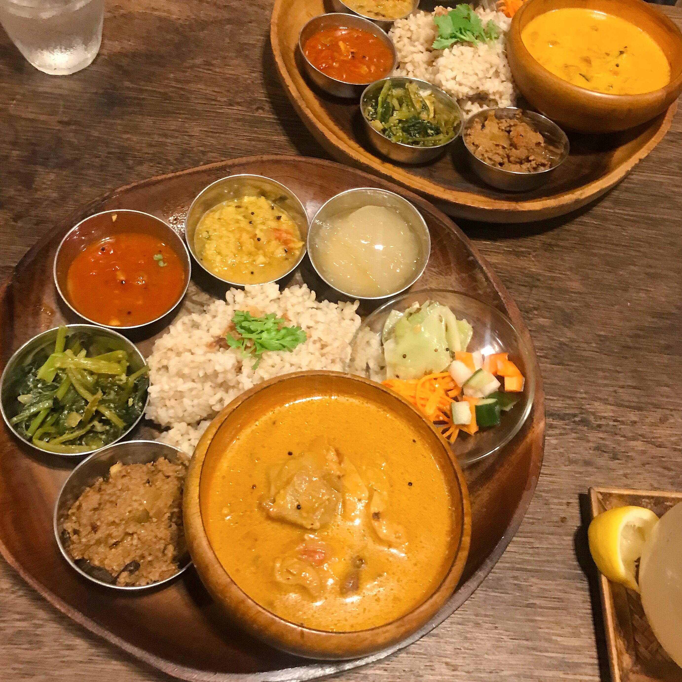 横浜の旅カフェ ポイントウェザーのインドごはん カレー