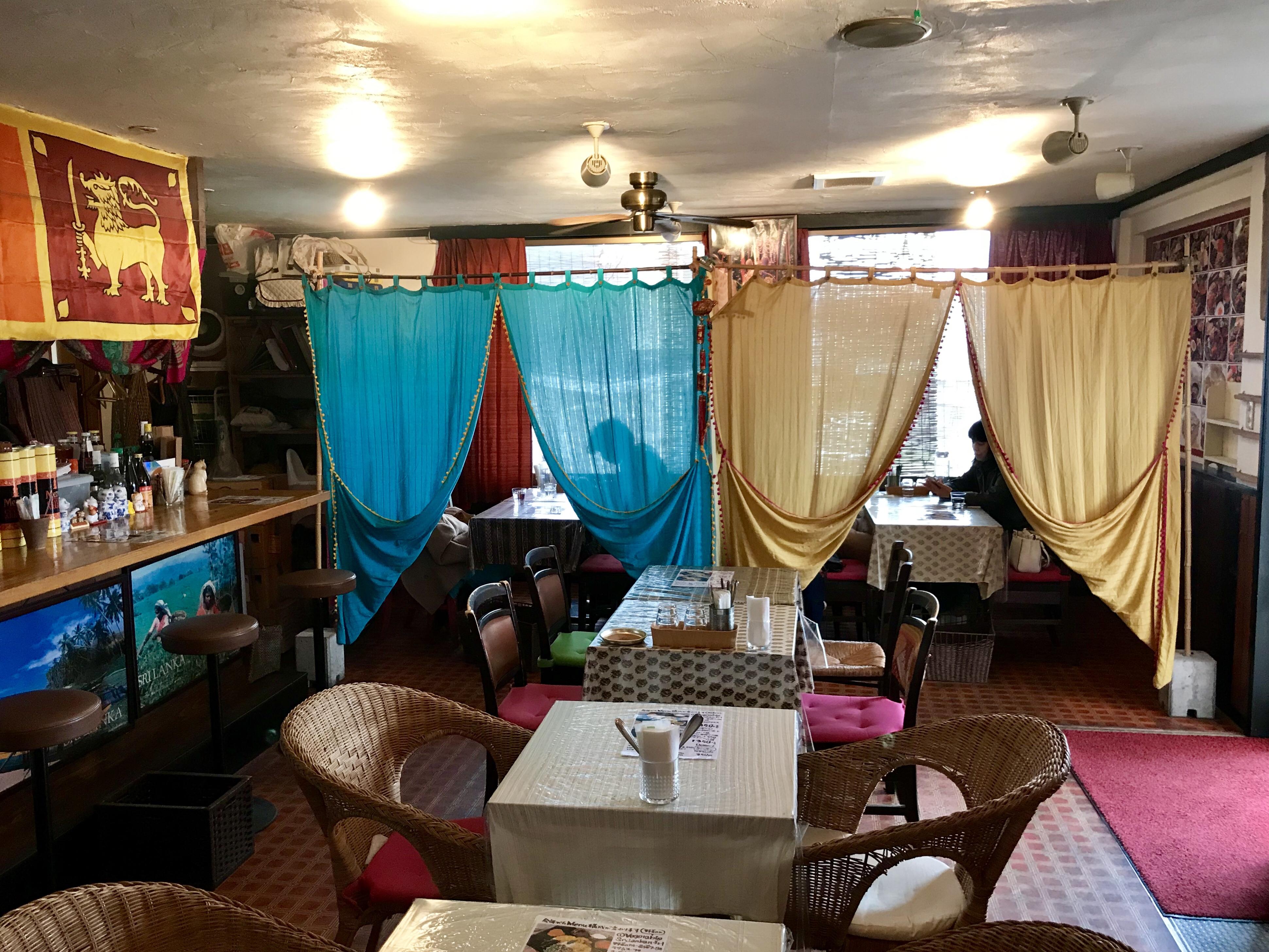 水戸のスリランカ料理コジコジ店内