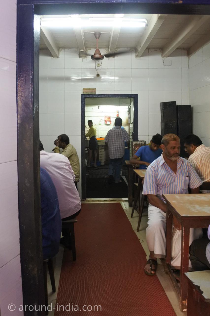 ケララ伝統料理食堂Onakkan Bharati店内
