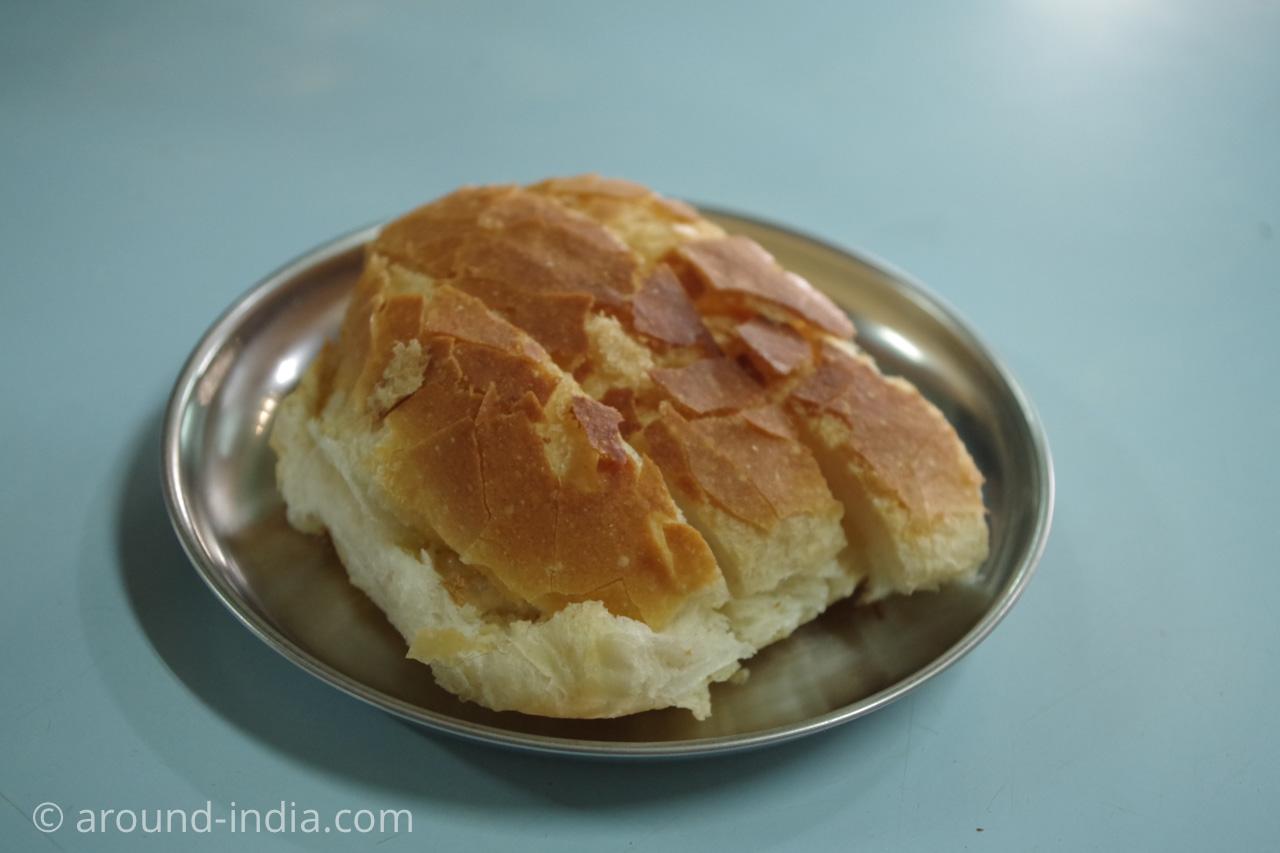 Yazdani Bakeryのパン