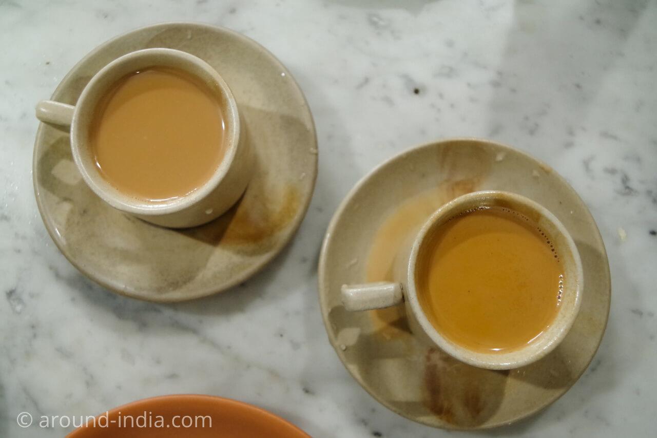 ムンバイのイラニカフェ サッサニアンのイラニチャイ