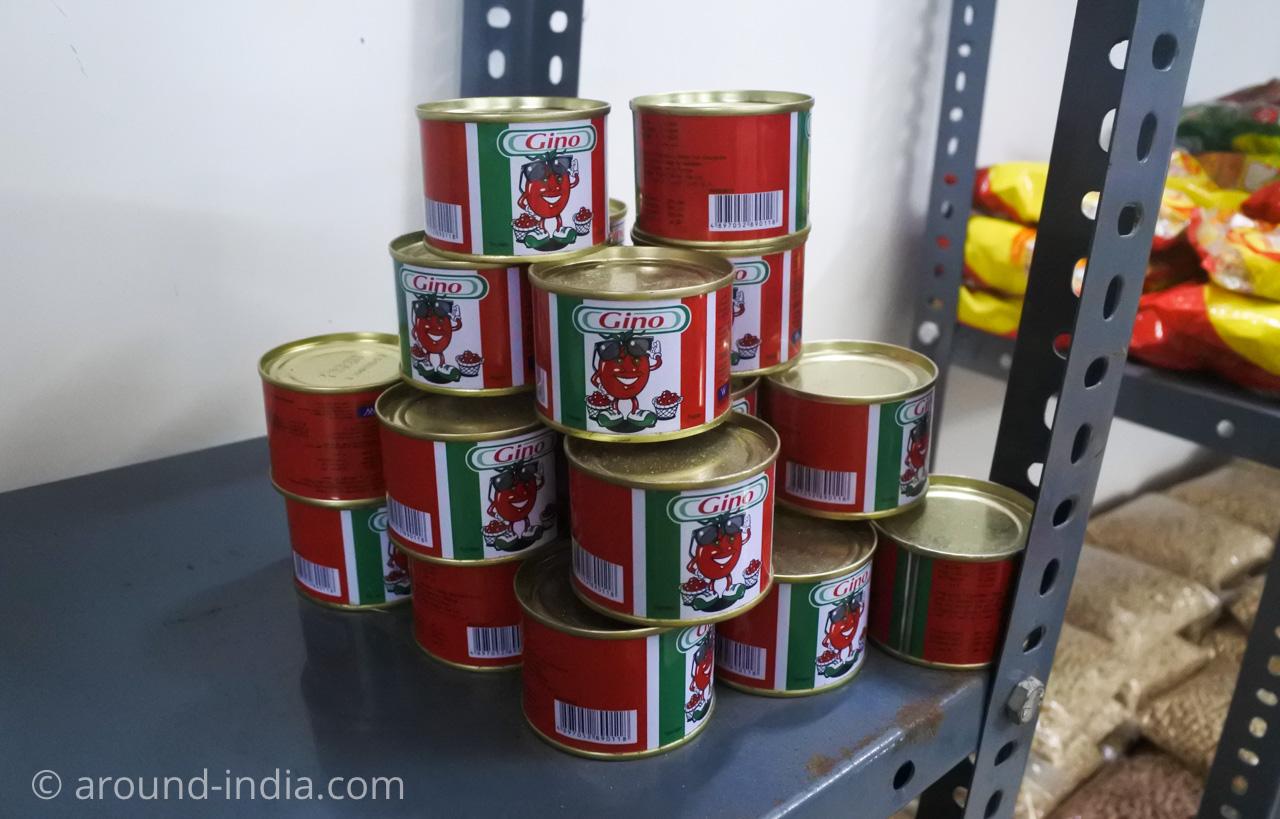 デリーINAマーケットのアフリカ食材店Mamma Africa トマトソース?かわいい