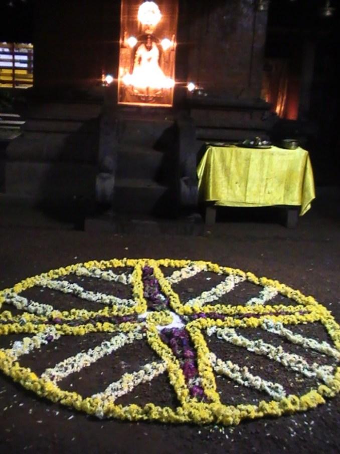 ケララのお祭オナム、お寺のプーカラム