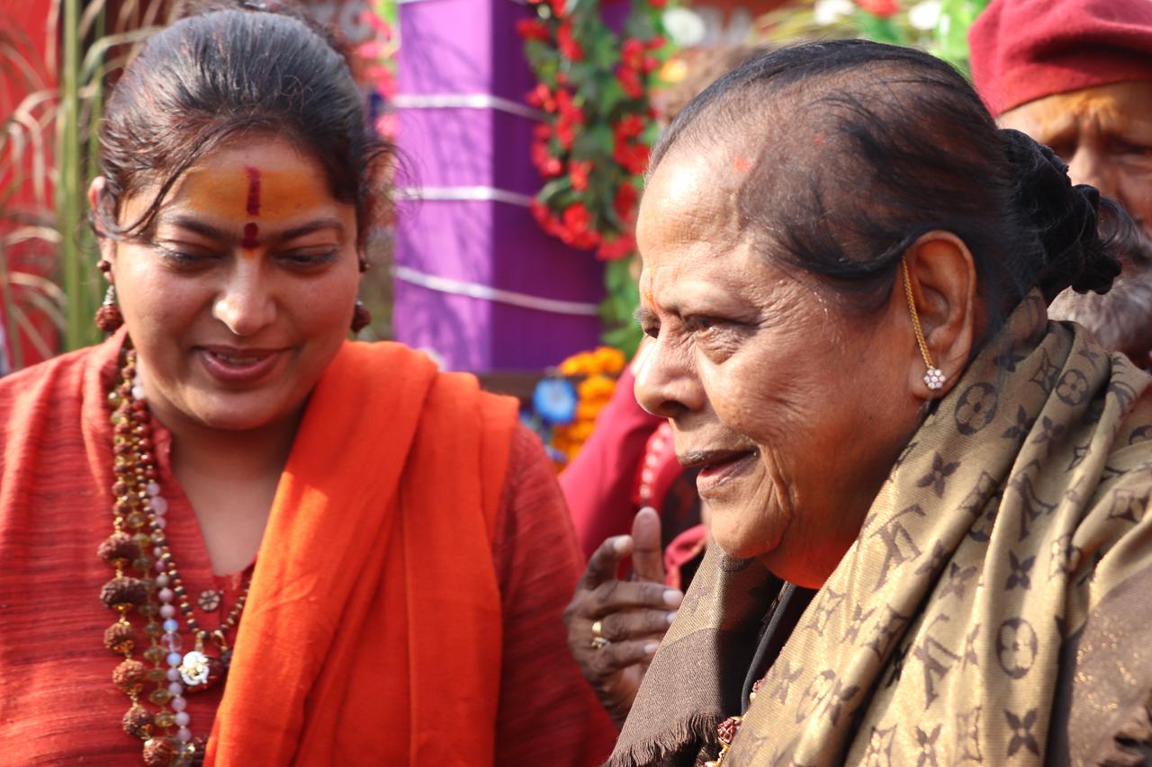 インドのお祭 クンブメーラ 聖者