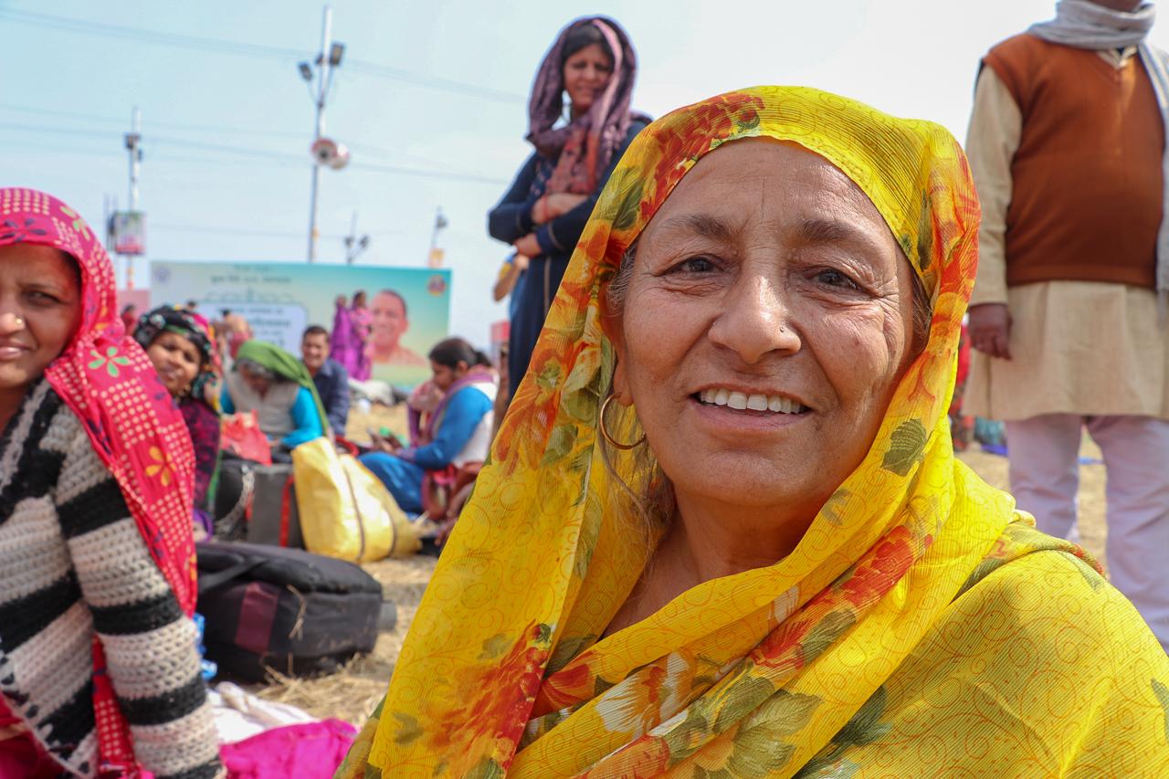インドのお祭 クンブメーラ 沐浴にきたひと