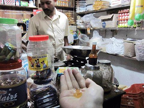ケララの山岳民族が採集したハチミツ