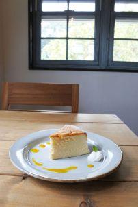 モンマルシメのケーキ