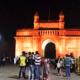 ムンバイのインド門の夜