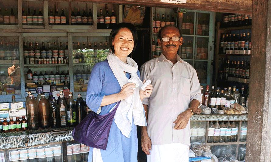 ケララ伝統のアーユルヴェーダドクターとヴァイディアとAROUND INDIAの田村ゆみ