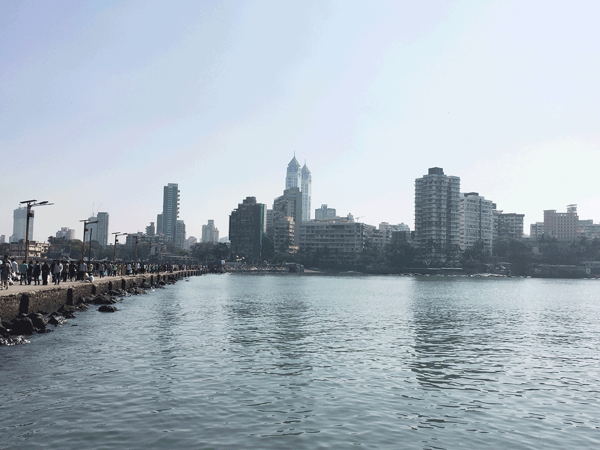 ハジアリから望むムンバイ市街
