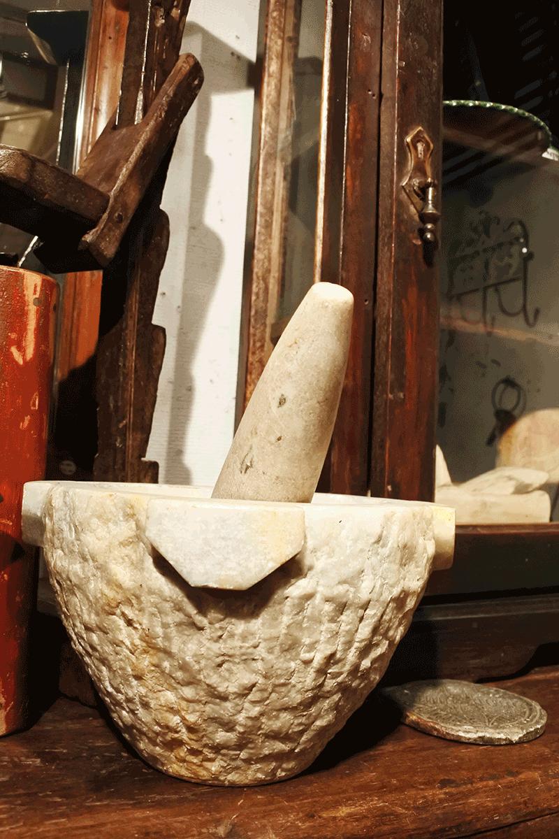 グランピエ、大理石?製のミル
