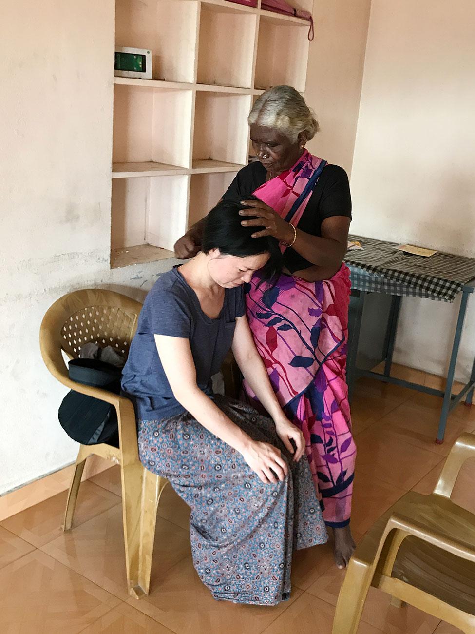 ケララ、Attappati部族伝統の診断、背中