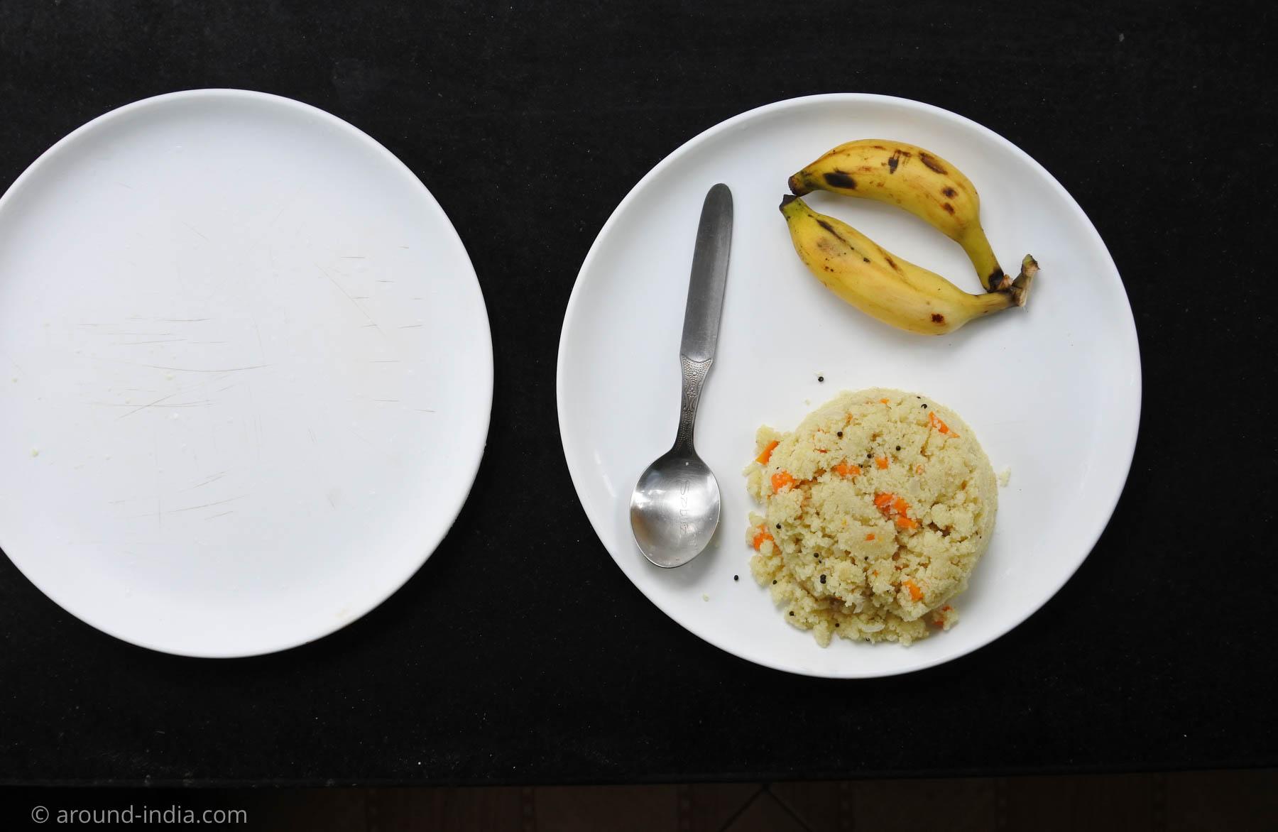 PVAアーユルヴェーダ病院、ある日の朝食ウップマとバナナ日本