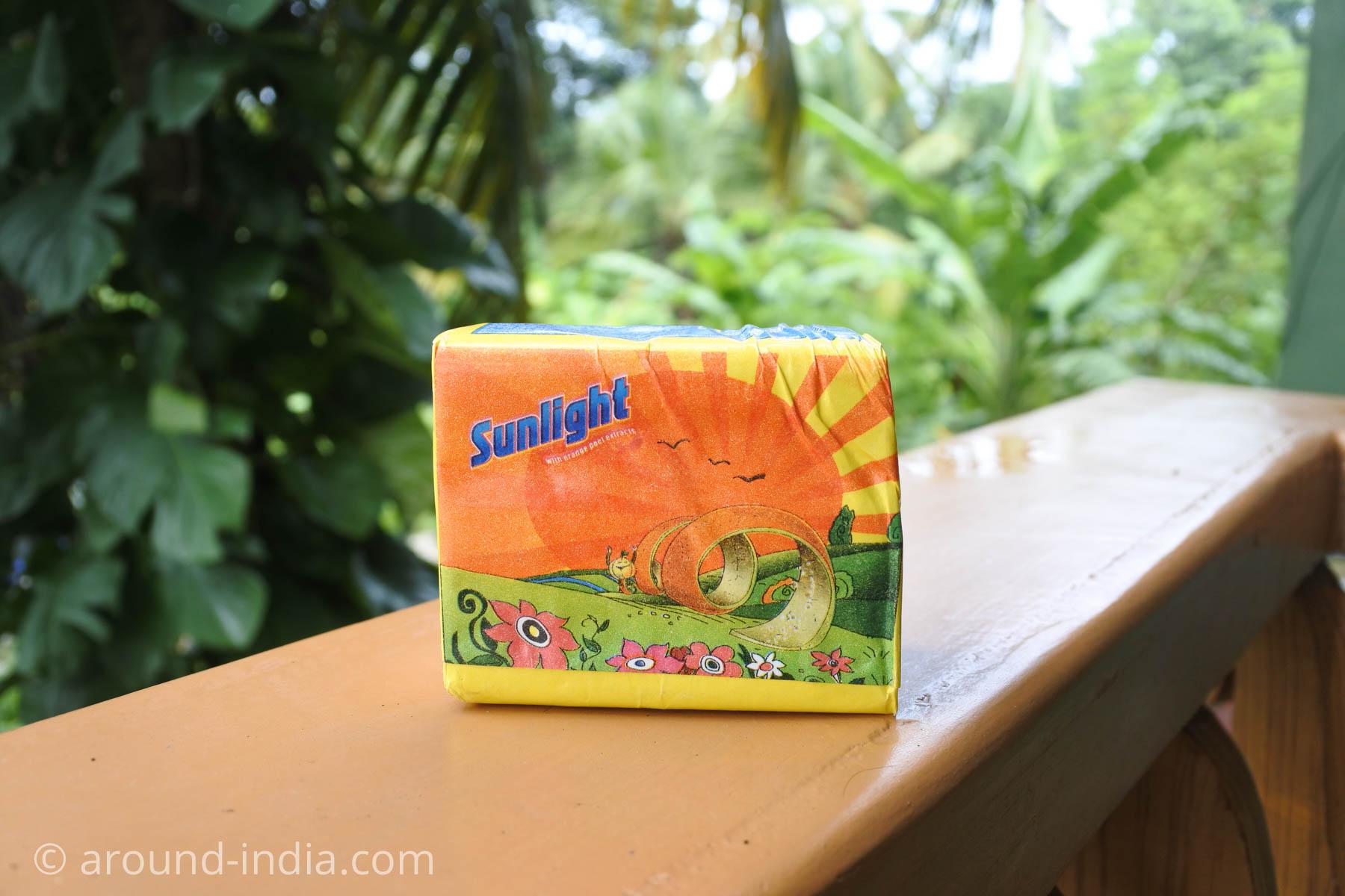 インドの洗濯石鹸 sunlight パッケージ1