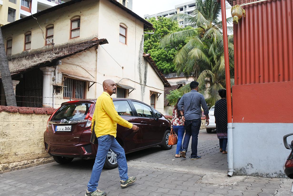 ひっきりなしに人が訪れるMangaloreのMachali