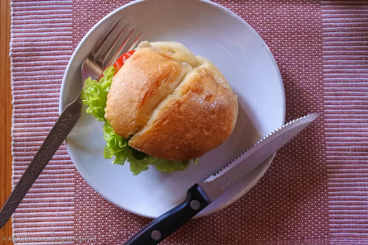 ゴア Panaji パナジ のVENITEの朝ごはん サンドイッチ
