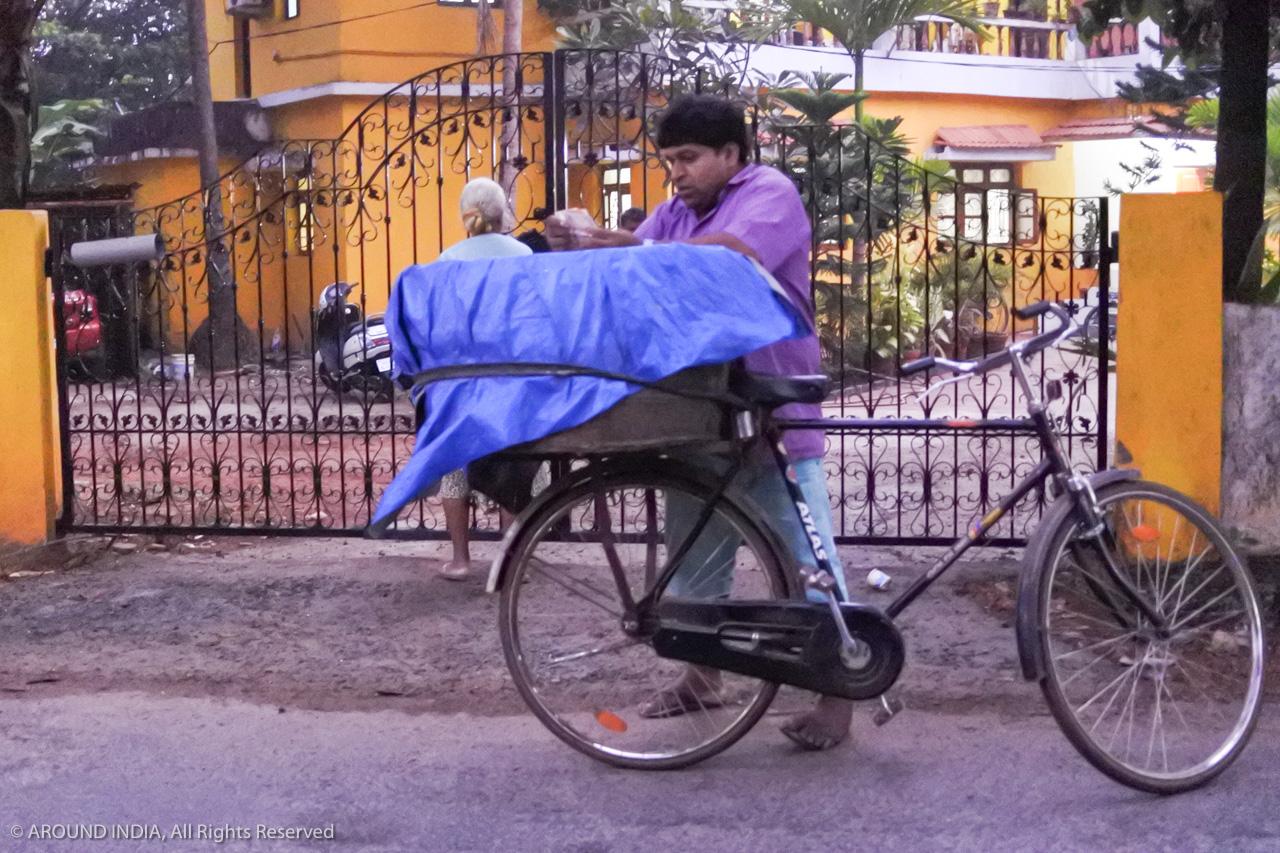 インド・ゴア州パンの配達人
