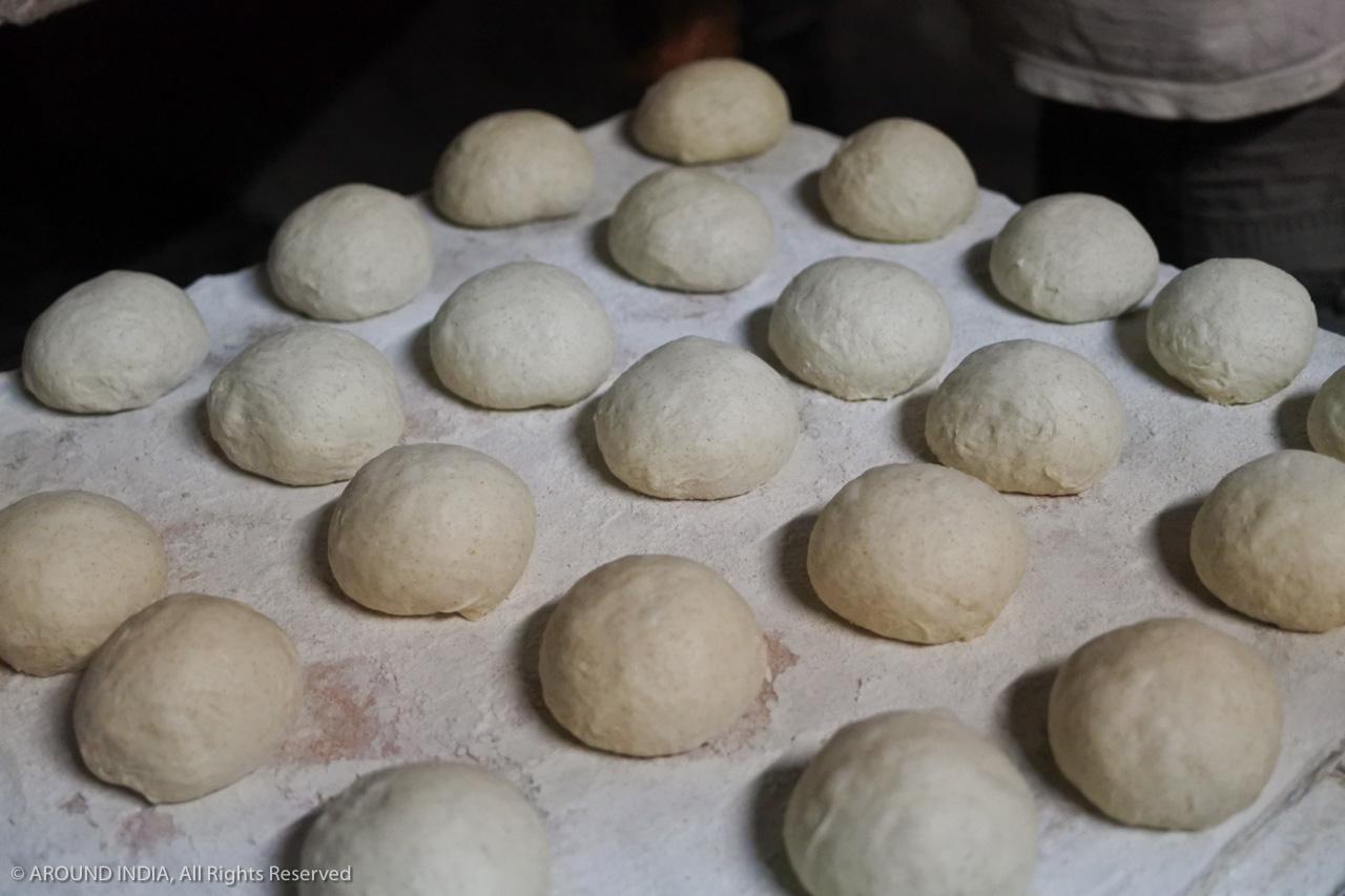 インド・ゴア州ベーカリー 定番の丸パン