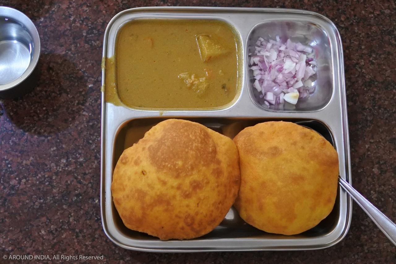 インド・ゴア州Sheetal Pure Veg Restaurantで食べた甘いBunsにハマる